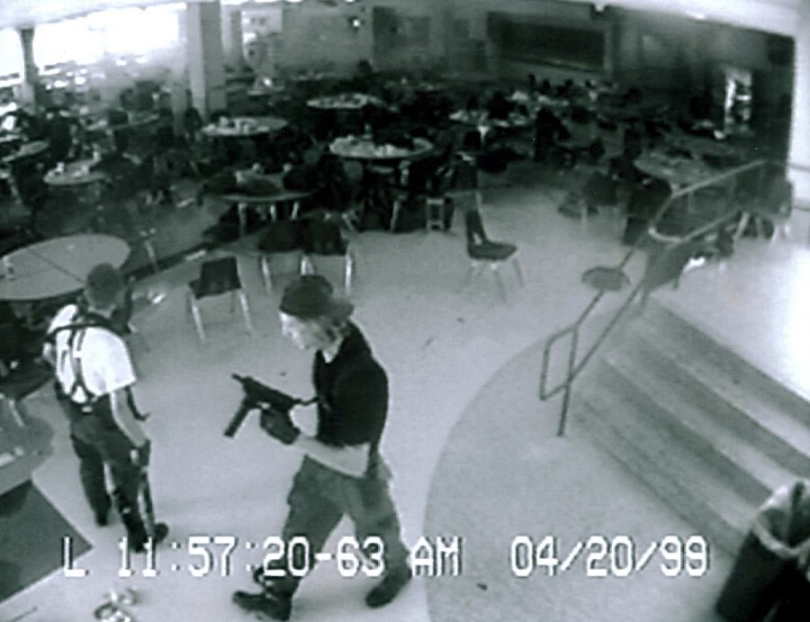 an analysis of the tragedy in columbine high school by vantiago An analysis of the tragedy in columbine high school by vantiago 1,355 3 pages the columbine high school shooting in the united an analysis of the influence.